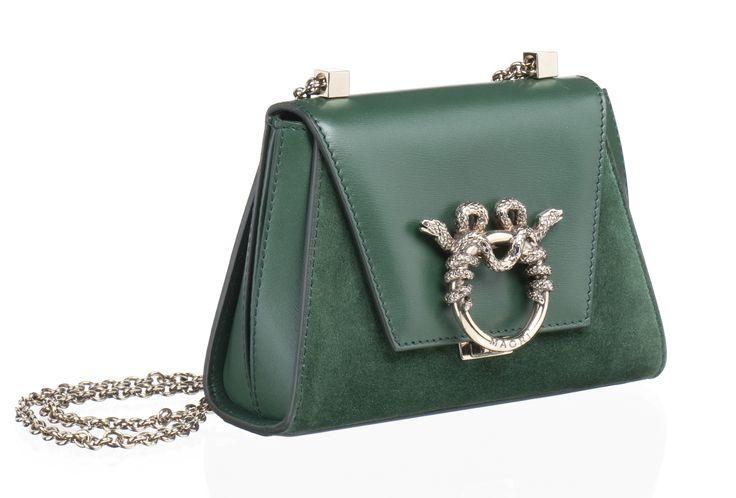 "MAGRÌ ""PICCOLA PRINCIPESSA"" shown in Calf and Suede  #magri_handbags #magri #craftedinflorence #italianstyle #TimelessElegance #Sophisticated #MadeInItaly #italianCraftmanship #ItalianGlamour #luxuryHandbags #Handbags #powerbags #magribag @magriofficial #gentlemanclub #etabetapr #magripress www.magri.com"