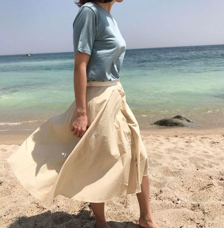 눈 뜨자마자 바다보러 �� 뽀득거리는 모래 위도 걷고, 바다보기 좋은 날. . . . #바다 #강릉 #여행 #사천해변  #나들이 #오오티디 #스타일 #데일리 #sea #ocean #travel http://tipsrazzi.com/ipost/1507743220695329065/?code=BTslHiKDGkp