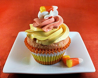 Candy corn cupcakesCupcakes Ideas, Corn Cupcakes, Halloween Candies, Candy Corn, Candies Corn, Holiday Cupcakes, Halloween Cupcakes, Cupcakes Rosa-Choqu, Colors Candies