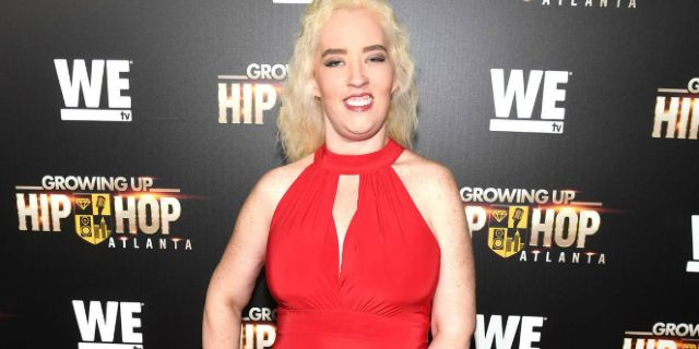 Mama June Rocks Red Figure-Hugging Dress After Major Weight Loss https://cstu.io/c8e5ff