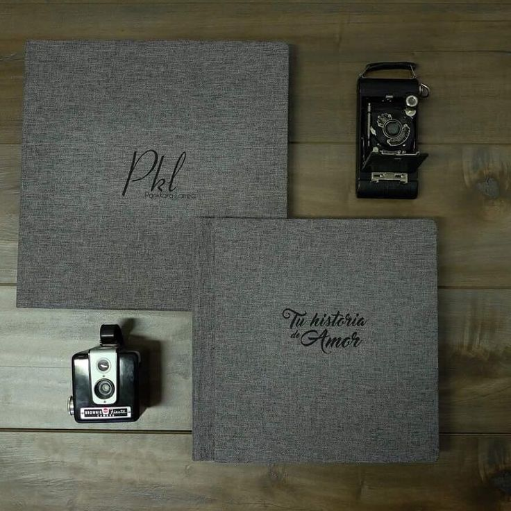 Swooning over our new products for 2018. This is our new deluxe wedding book that comes in a wooden box. Just amazing! Made by @foto_relieve #weddingphotographer #pklfotografia #weddingbooks #photobook #bolivianweddingphotographer #photoalbum #weddingalbum #weddinginspiration #fotolibro #fotolibrodeboda