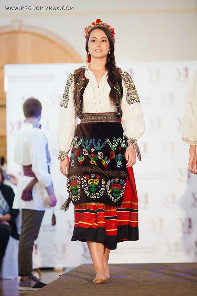 invitation to wedding ukrainian textiles and traditions%0A Slavic costume  from Iryna