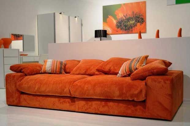 красивый оранжевый
