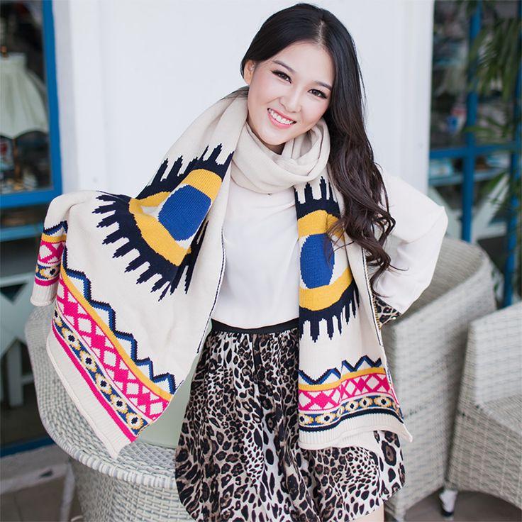 Il freddo è arrivato, ma c'è un accessorio che protegge e impreziosisce i nostri outfit, Stiamo parlando di Sciarpe, foulard e pashmine. Ecco i nostri consigli per l'uso.