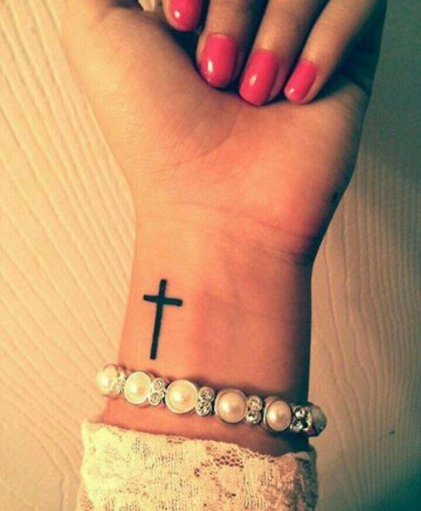 Einfache Cross Tattoos