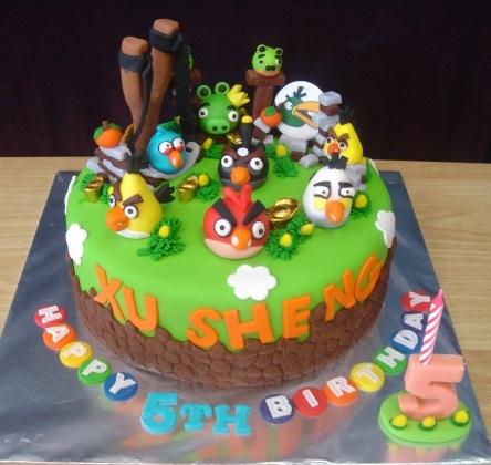 Best 25 bird cakes ideas on pinterest easter cake for Angry birds cake decoration kit