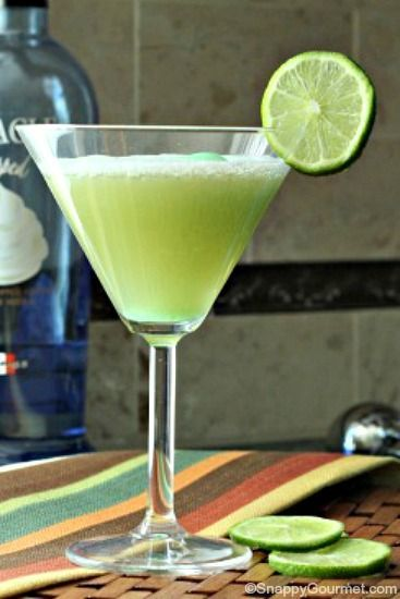 Key Lime Pie Fizztini, an easy cocktail recipe and spin on Key Lime Pies! SnappyGourmet.com