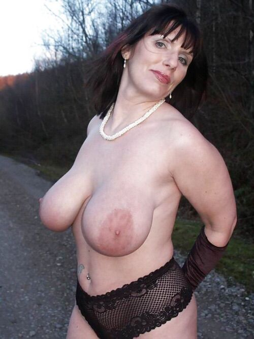 Mature moms with boys tubes