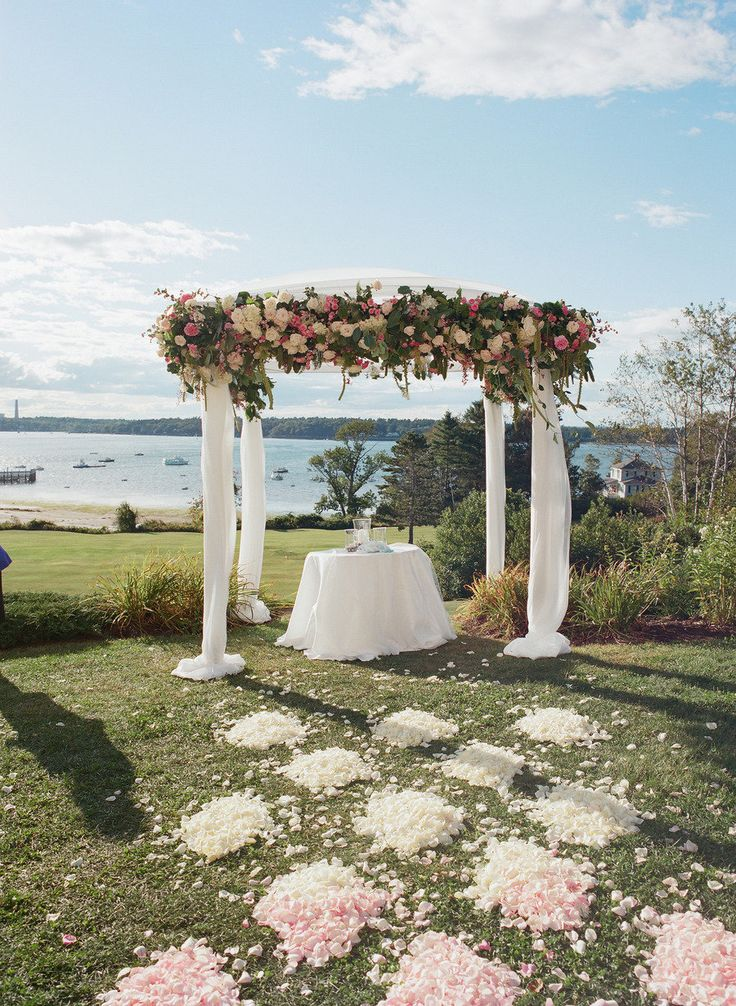 wedding locations in southern californiinexpensive%0A Best     Flower petal aisle ideas on Pinterest   Rose petal aisle  Wedding  isle flowers and Wedding aisle style