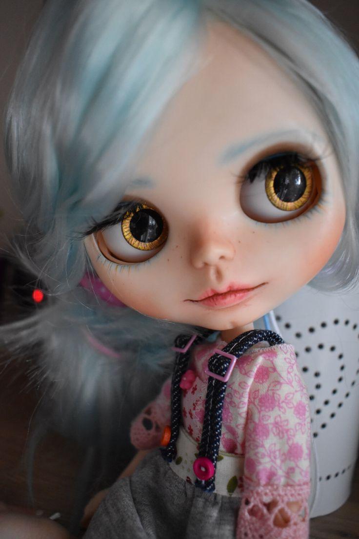 OOAK Blythe doll, Jade Custom art blythe doll by janasOOAKblytheDolls, dolls by janasOOAKblytheDolls on Etsy https://www.etsy.com/listing/501101390/ooak-blythe-doll-jade-custom-art-blythe