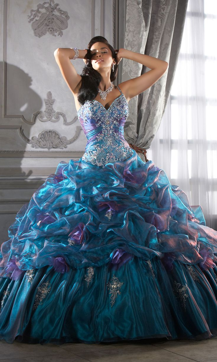 845 best *Fairytale Ball Gowns* images on Pinterest | Clothing ...