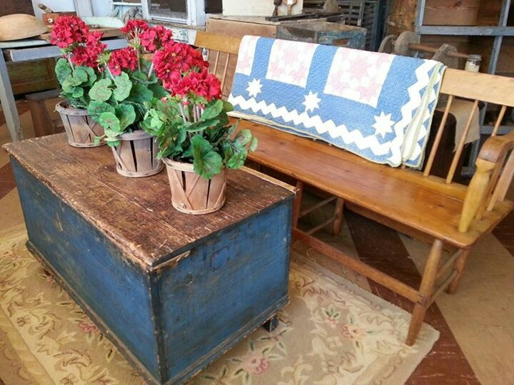 1000 Images About Cedar Chest On Pinterest Painted Cedar Chest Hope Chest And Coffee Tables