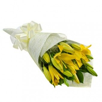 Eltanin is a #handbouquet of 12 #yellow #stargazer that you can give for someone special. Visit PilipinasGift.com for inquiries!