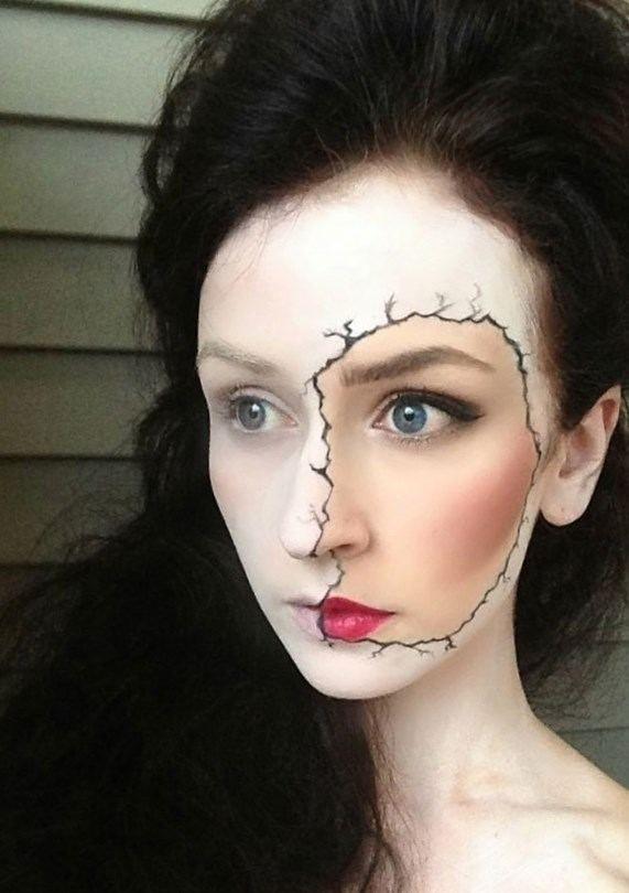 Maquillage halloween femme simple - http://lookvisage.ru/maquillage-halloween-femme-simple/ #Cheveux #Beauté #tendances #conseils