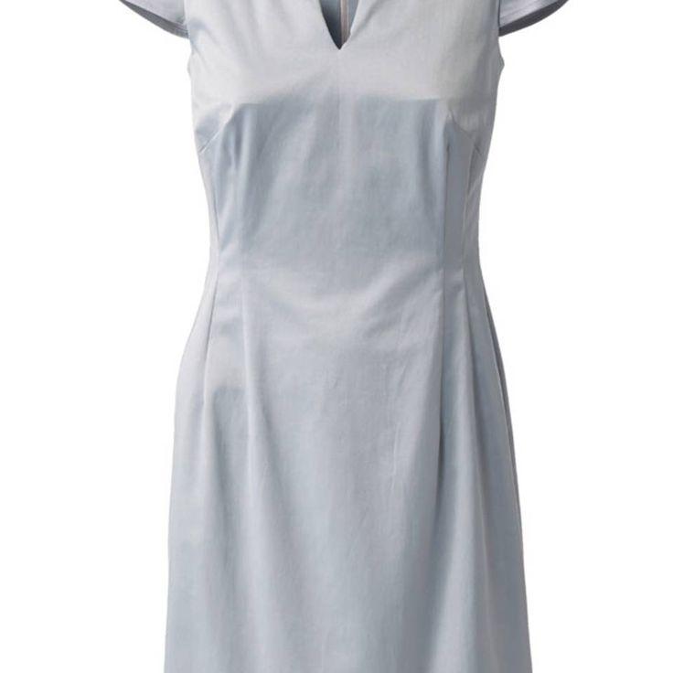 """Business-Kleid nähen - eine Anleitung - """"Das Business-Kleid nähen wir im klassischen Etui-Schnitt mit kleinem Ausschnitt, kurzen Ärmeln und figurbetonender Nahtführung."""""""