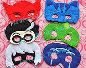 Artículos similares a Acción PJ máscaras Owlette máscara lista PJ máscaras Disney Jr máscaras máscara de Luna, vestido de Gekko máscara Pj máscaras máscaras Pj cumpleaños party favor en Etsy