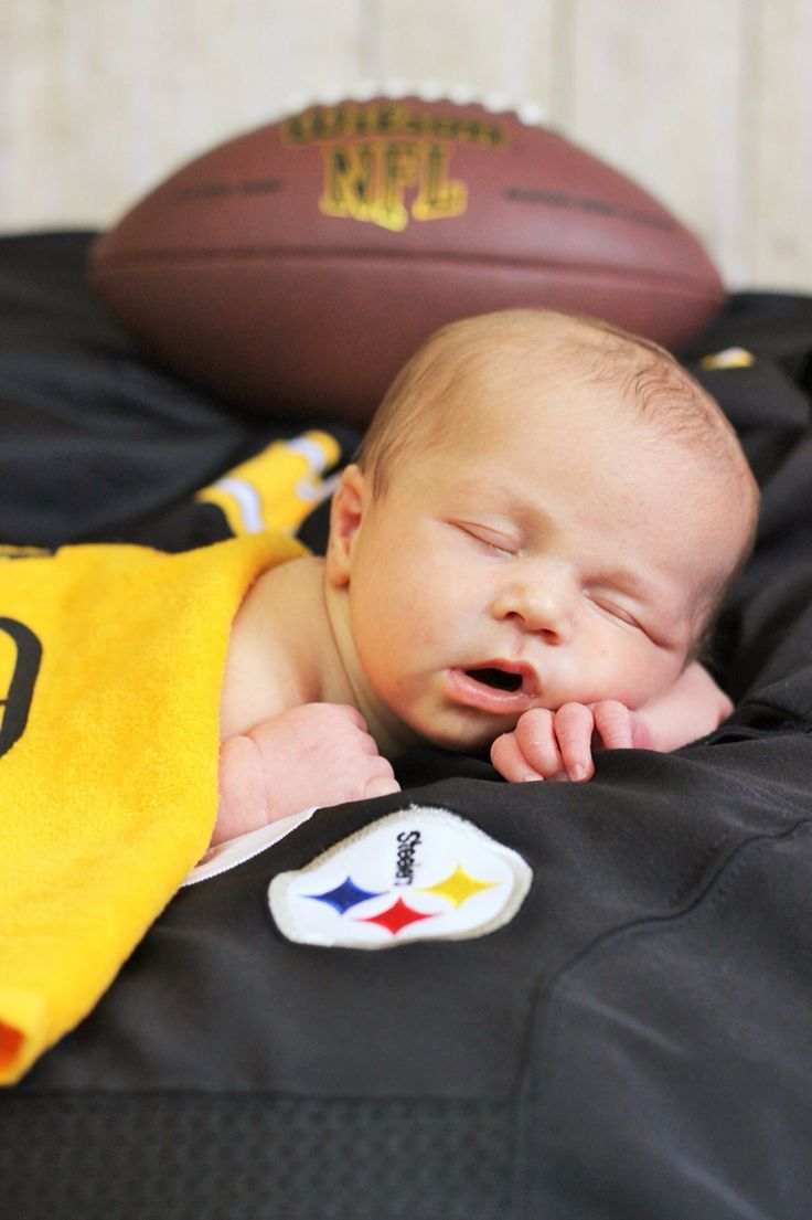 Newborn football photography steelers