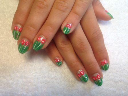 kinder-nail-art-gras-en-bloem-met-steel #kinderen #Nailart #nagels #nails