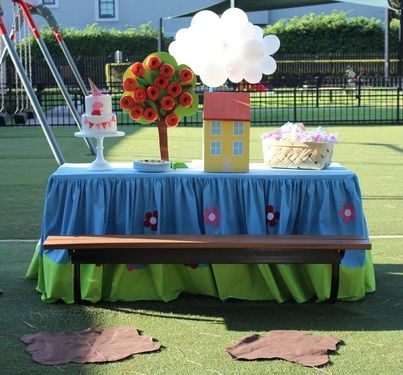 Peppa Pig Party Ideas, Peppa Pig Birthday Ideas, Peppa Pig Birthday Party Ideas, Peppa Pig Park Party Ideas, Outdoor Party Ideas, Park Party Ideas, Girl Outdoor Party Ideas