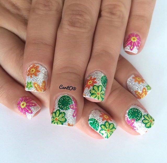 Flower glitter nails design, manicure nailart