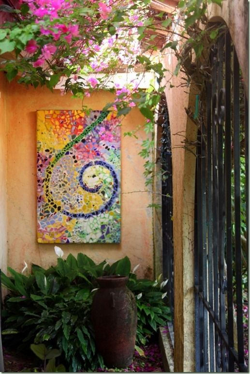 Outdoor mosaic wall art - Lots of good ideas here!