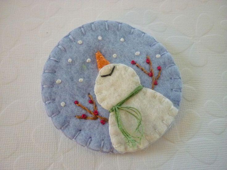 Primitive Snowman Brooch Wool Felt - Catching Snowflakes