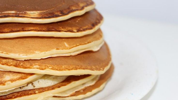 Worlds largest serving of pancakes sets Guinness record