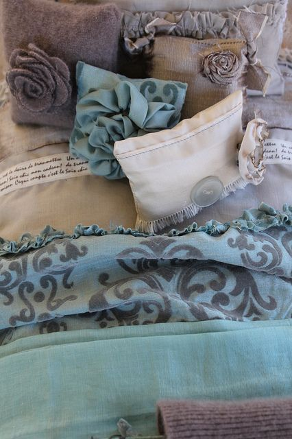 Bed Linen 1:6 scale :: look at the detail ..