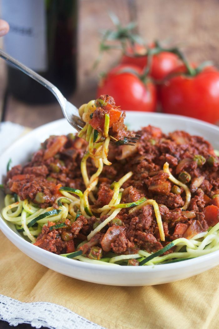 Healthy Food Friday: Tomatoes {and my Hearty Bolognese} - Lexi's Clean Kitchen