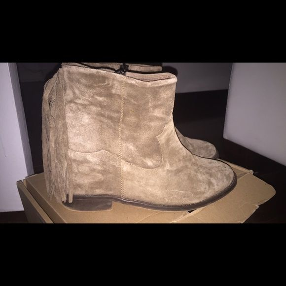 Zara boot with hidden wedge size 38 Zara brown suede boots with wedges size 38 worn once a small rip on left boot as you can see in the picture but can't even notice it and fringes in the back of the boot Zara Shoes Ankle Boots & Booties