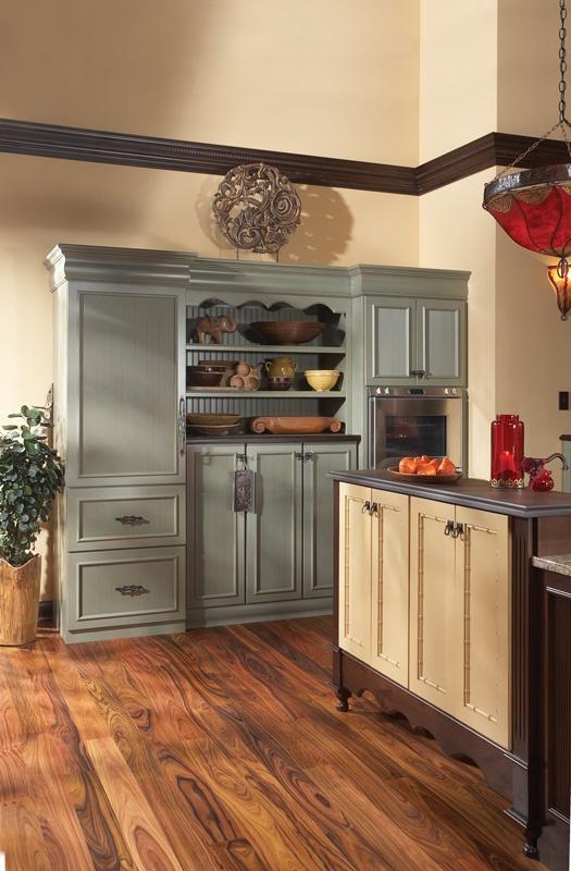 Islander Kitchen Cabinets