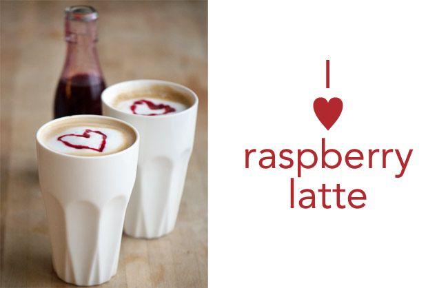 Hindbærsirup med vanilje i en raspberry latte