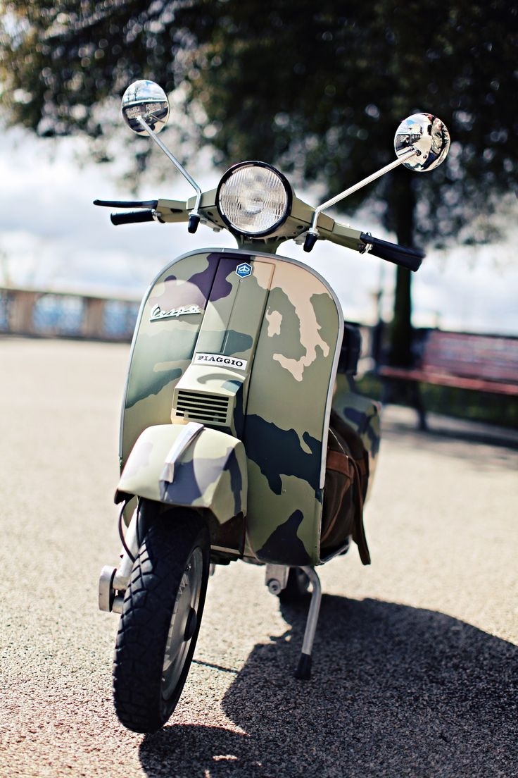 vespa camouflage vespa camouflage and scooters. Black Bedroom Furniture Sets. Home Design Ideas