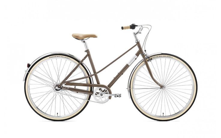 """Rower Miejski Damski Creme Caferacer Lady Uno Warm Gray 3S 28"""". Model Caferacer przywodzi na myśl rowery z lat 60. Utrzymany w ponadczasowej stylistyce łączy ze sobą neutralny, uniwersalny kolor z chromowanymi elementami wysokiej jakości. http://damelo.pl/damskie-rowery-miejskie-stylowe/530-rower-miejski-damski-creme-caferacer-lady-uno-warm-gray-3s-28.html"""