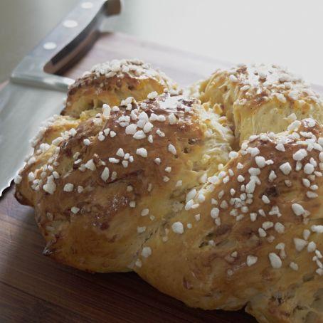 Treccia di pan brioche morbida