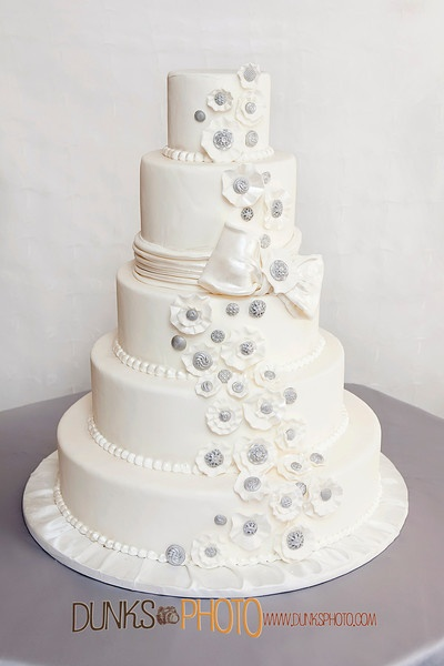 baltimore 39 s best wedding cakes pictures the ribbon colors and wedding bride. Black Bedroom Furniture Sets. Home Design Ideas