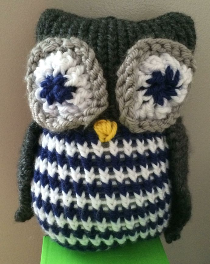 Loom knitted owl by Linda