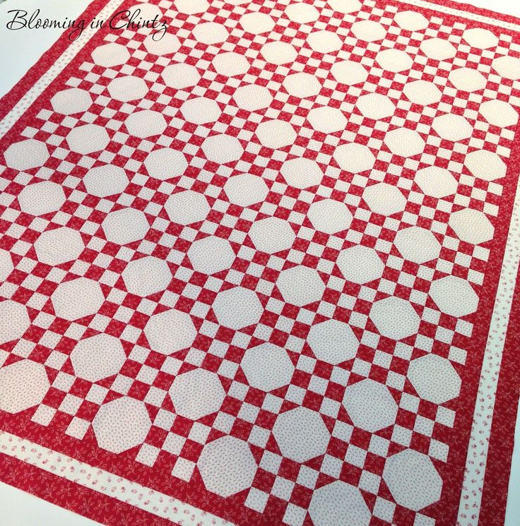 Red & White Snowball Quilt by Rahna Summerlin  www.bloominginchintz.blogspot.com