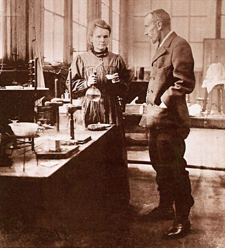 Marie and Pierre Curie in Paris in 1900. (Photo: Vitold Muratov/Wikimedia Commons)