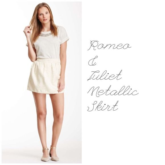 Listing! HPRomeo & Juliet Metallic Skirt Romeo and Juliet metallic skirt NWT Gold color Zipper on side of skirt PayPal, Trades  Romeo & Juliet Couture Skirts
