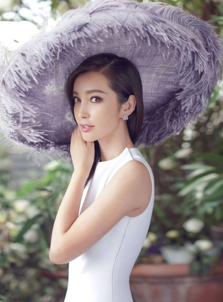 Li Bingbing Is Pure Elegance Lensed By Chen Man For Harper's China September 2016 — Anne of Carversville  http://www.anneofcarversville.com/style-photos/2016/8/22/li-bingbing-is-pure-elegance-lensed-by-chen-man-for-harpers-china-september-2016