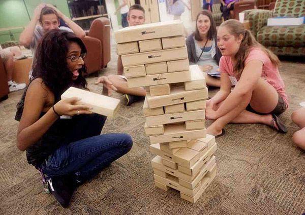 Arkadaşlarınız ile Oynayabileceğiniz 10 Ev Oyunları. Arkadaşlarla toplanıldığında yapılacak aktiviteler arasında en çok tercih edilenleri ev oyunlarıdır...