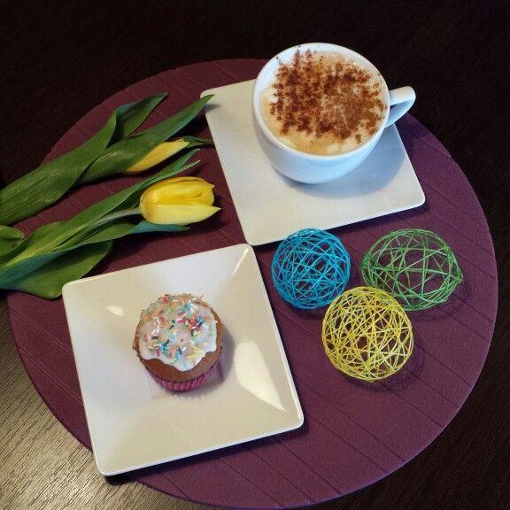 Coffee, muffins