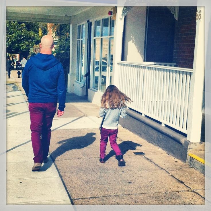 Daddy & Daughter style. Burgundy jeans.