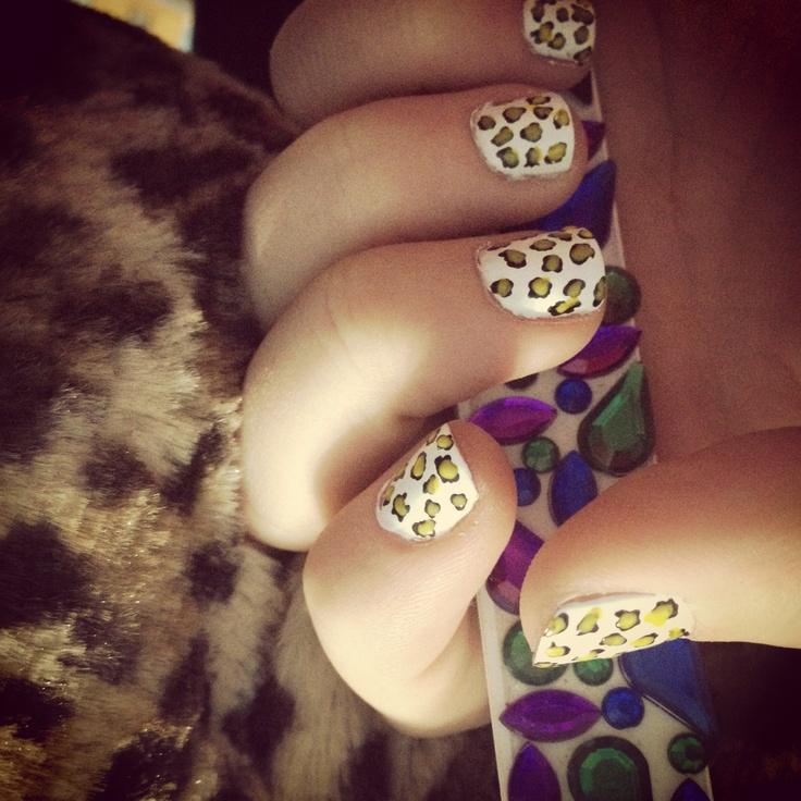 Cheetah print done with nail pens