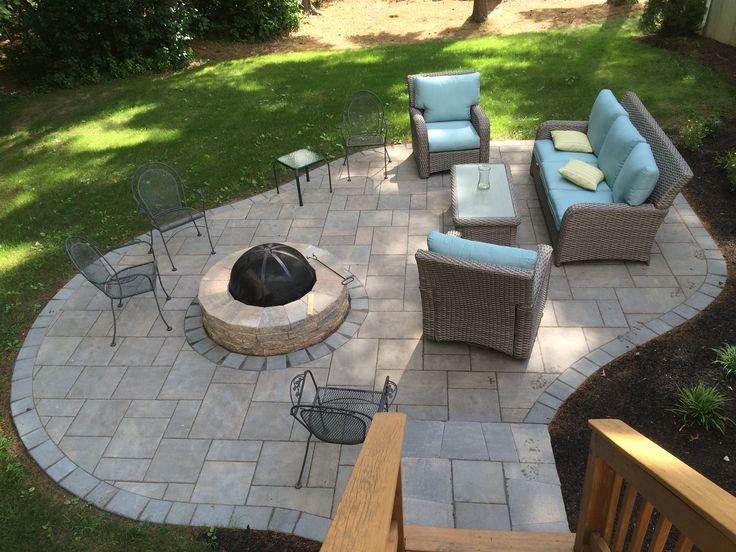 patio out of unilocks beacon hill flagstone - Unilock Patio Designs