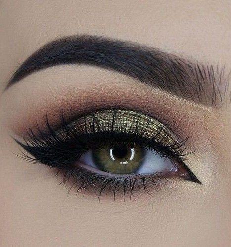 Feline Liner + Iridescent & Green Eyelid + Lashes
