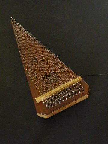 baritone bowed psaltery 358 top (360×480)
