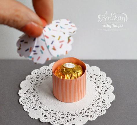 Stampin' Up ideas and supplies from Vicky at Crafting Clare's Paper Moments: Little cupcake shaped treat boxes - Stampin' Up artisan blog hop
