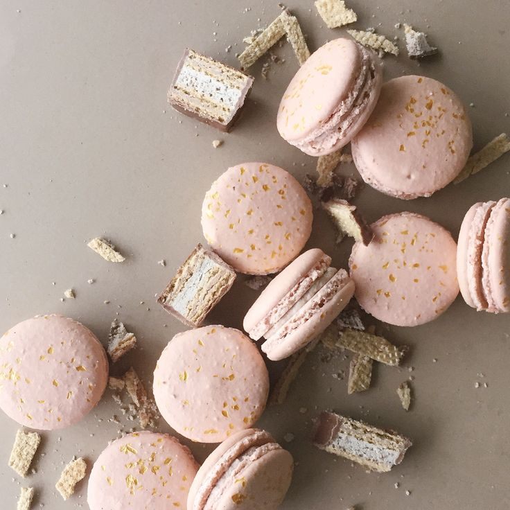 coffee crisp french macarons